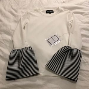 Style Mafia NWT bell sleeve blouse